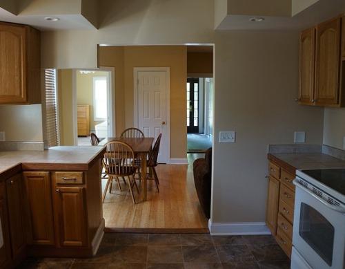 Contoh permainan sekat pada interior rumah minimalis