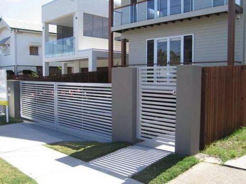 Warna pagar rumah minimalis senada dengan warna rumah
