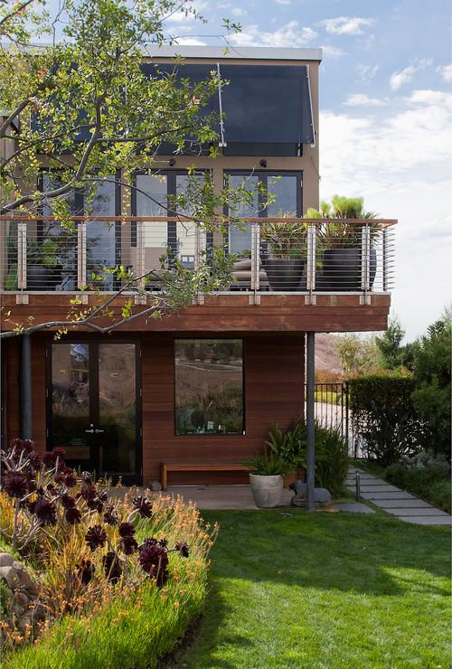 Contoh foto rumah minimalis 2 lantai plus balkon
