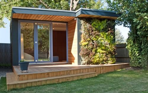 Foto rumah minimalis modern dengan taman vertikal