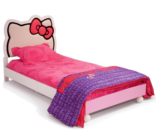 Tempat tidur single berdesain Hello Kitty