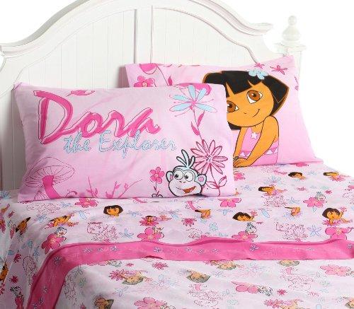 Kamar tidur anak perempuan bertema Dora