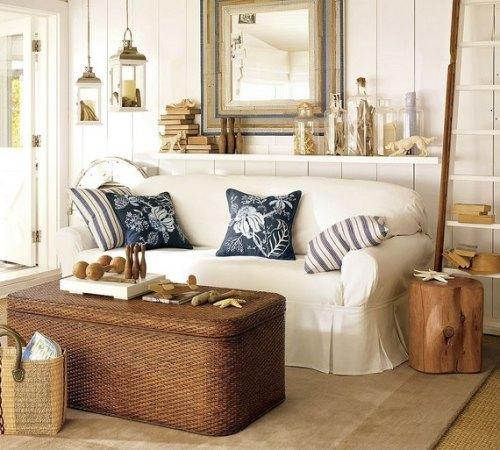 Ruang tamu bernuansa eklektik dengan dominasi warna pasir pantai