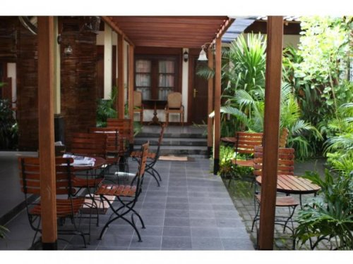 desain ruang tamu kecil minimalis bernuansa Jawa