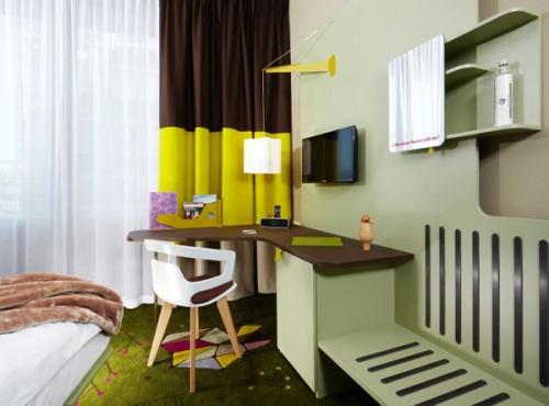 Pemanfaatan sudut rumah di interior rumah type 36
