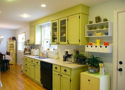 Interior dapur menyenangkan dengan open plan