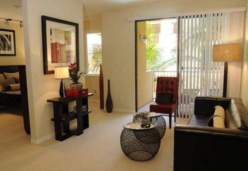 Interior rumah tamu minimalis dengan konsep terbuka