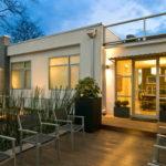 6 Contoh Rumah Minimalis Modern dengan Decking