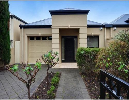 5 contoh eksterior rumah minimalis lantai 1 dan 2