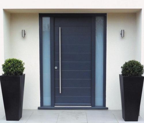 Desain pintu rumah minimalis di jalan masuk