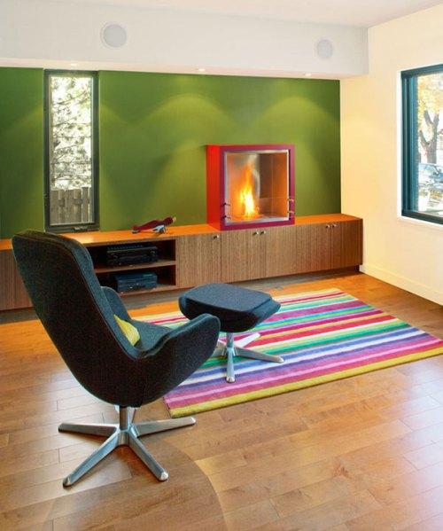 Kombinasi warna sitrus di ruang keluarga minimalis