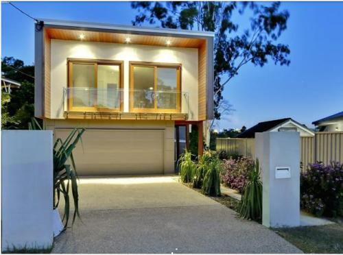 Rumah sederhana minimalis 2 lantai di lahan terbatas