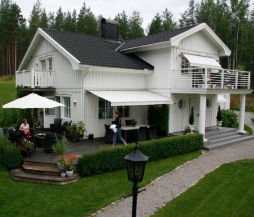 rumah minimalis 2 lantai bergaya Country Eropa
