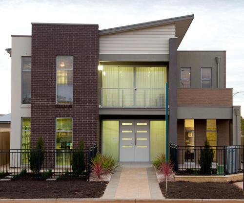 Model Atap Kombinasi untuk rumah minimalis 2 lantai