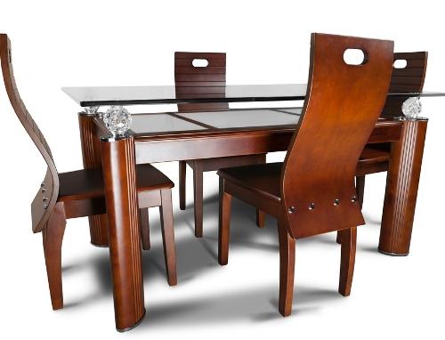 Furniture kayu eksklusif di rumah kecil minimalis - Shutterstock