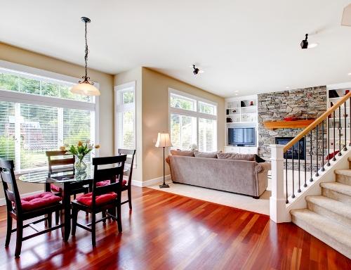 Posisi Tangga pada desain rumah minimalis 2 lantai - Shutterstock