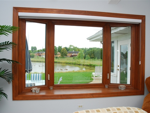 Bay window model persegi - Suresealwi