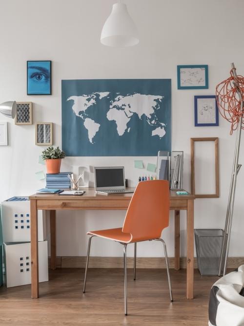 Home office minimalis namun kreatif - Shutterstock