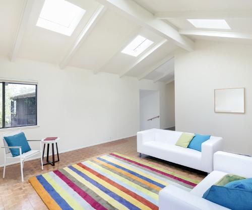 Desain plafon rumah minimalis unik dengan akses cahaya - Shutterstock