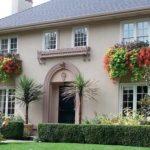 Tampak Depan Rumah Minimalis Cantik dengan Windows Planter