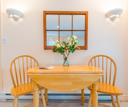 Fixed Windows di Ruang Makan - Shutterstock