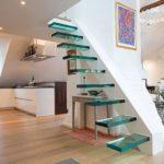 Tangga Rumah Minimalis dengan Desain Floating