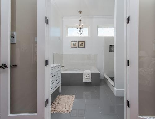 Pintu bergaya Perancis untuk kamar mandi - Wowbathroomideas