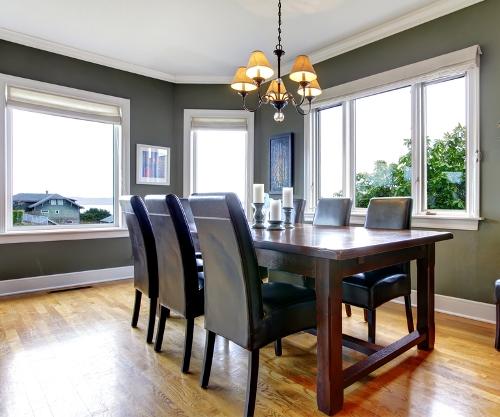 Lantai parket pada ruang makan rumah mewah minimalis - Shutterstock