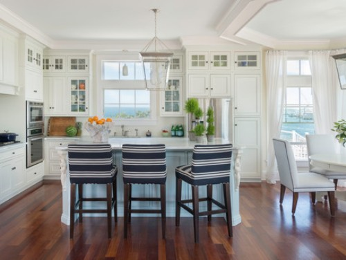 Dapur bernuansa pantai dengan stripe biru putih - Houzz