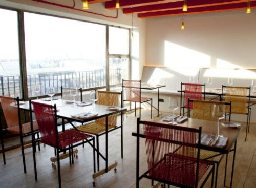 Contoh desain cafe rooftop (Now-here-this.timeout)