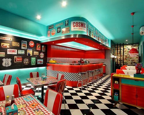 Contoh desain cafe unik ala Cosmic Diner (Bali.mehthesheep)