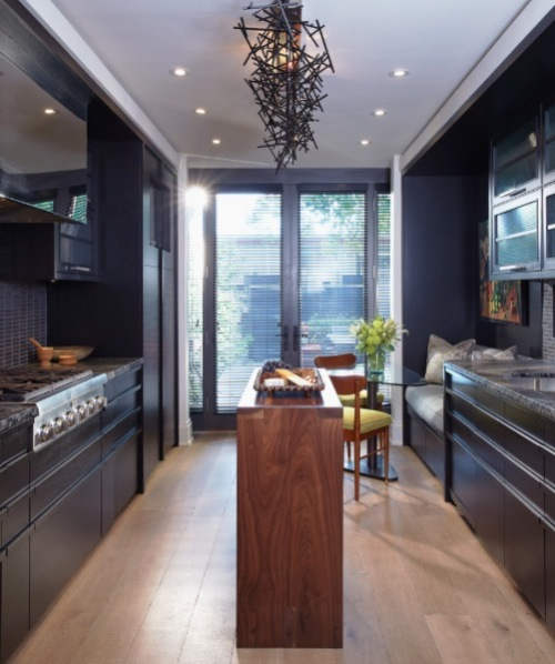 Dapur double line dengan kitchen island - Freshome