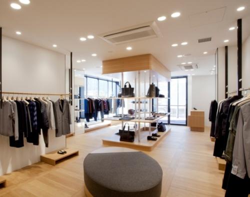 Pentingnya pencahayaan pada interior distro sporty - (Retaildesignblog)