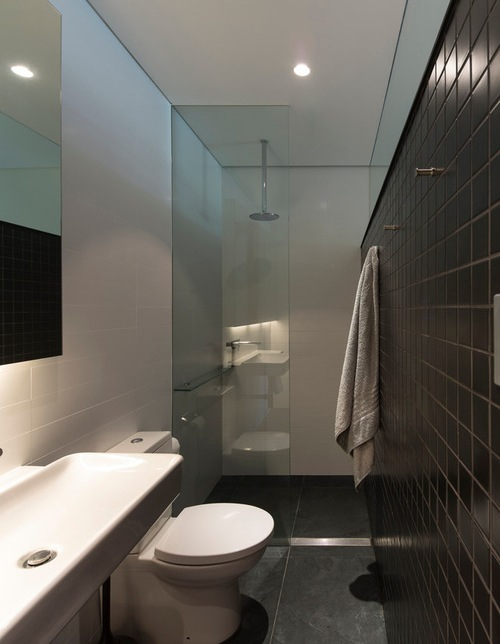 Toilet dengan bowl model bulat (Houzz)