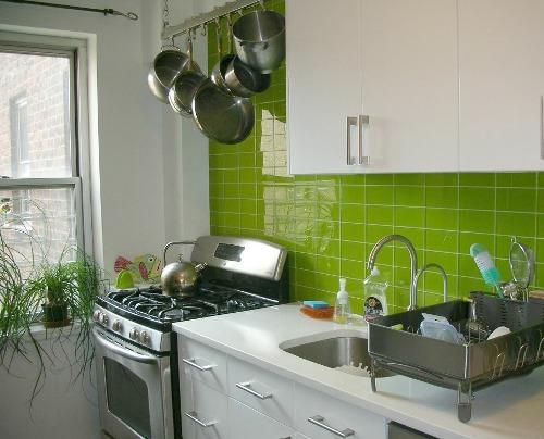 Desain dapur kecil bernuansa alami (Rhgpublicity)