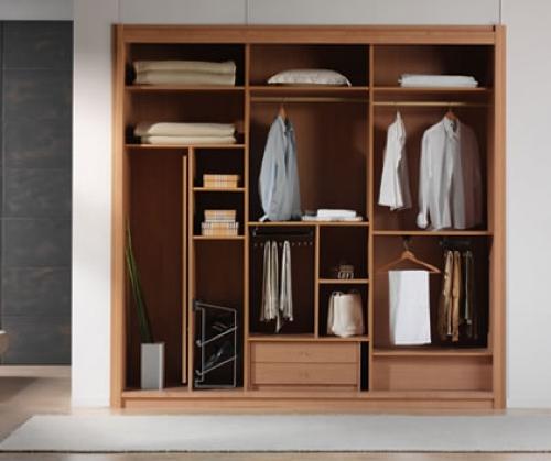Contoh desain lemari tanam di dinding (Decornorth)