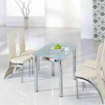 3 Bentuk Meja Makan Untuk Desain Interior Rumah Mungil Minimalis