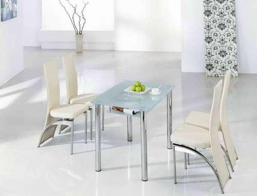 Meja makan untuk Interior rumah mungil minimalis (Girlsonit)