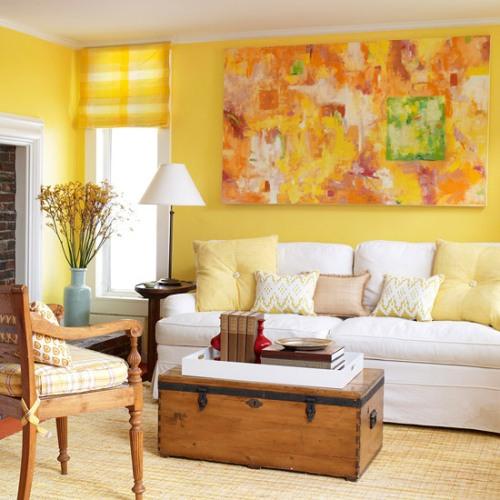 Ruang keluarga bernuansa kuning (Homedit)