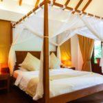 Desain Interior Kamar Tidur Dengan Ranjang Kanopi