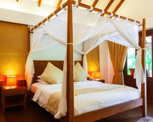 Desain Interior Kamar Tidur Dengan Ranjang Kanopi (Fotolia)