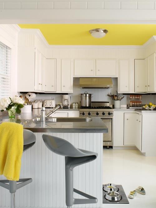 Contoh plafon dapur berwarna terang (Houzz)