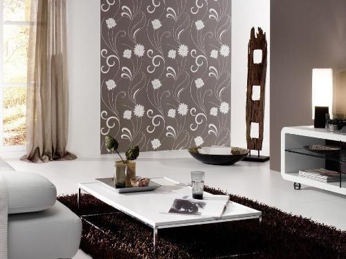 Desain dinding tumpu dengan wallpaper (Capitalfm)
