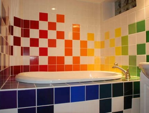Dekorasi kamar mandi bertema pelangi (Freshome)
