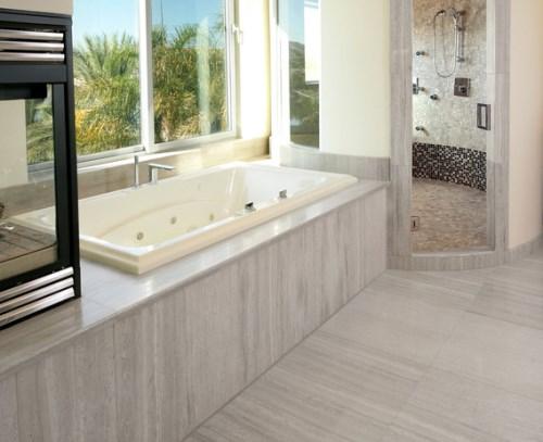 Contoh bathtub yang dikelilingi batu pualam (Houzz)