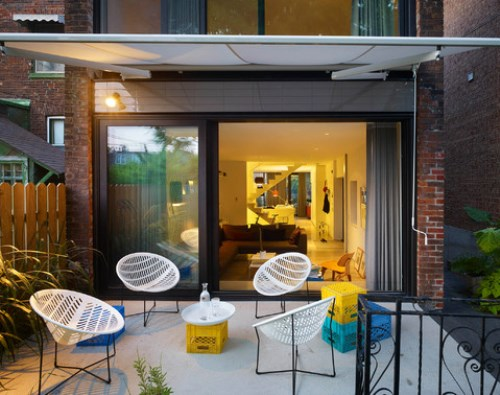 Contoh patio unik dengan desian kontemporer (Houzz)