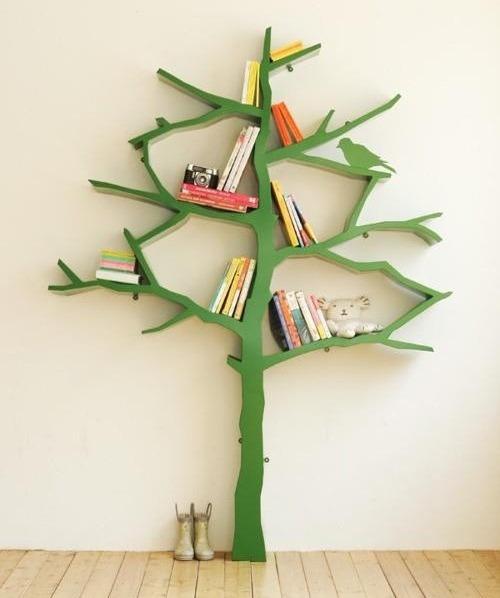 Contoh rak kreatif model pohon (Houzz)