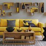 Dekorasi Interior Kreatif dengan Rak di Rumah Minimalis