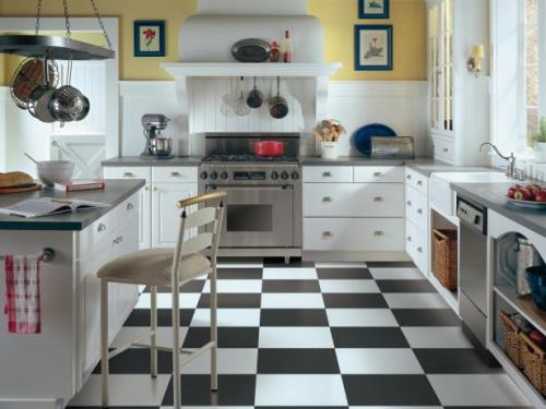 Contoh dapur berlantai vinyl (Hgtvhome)