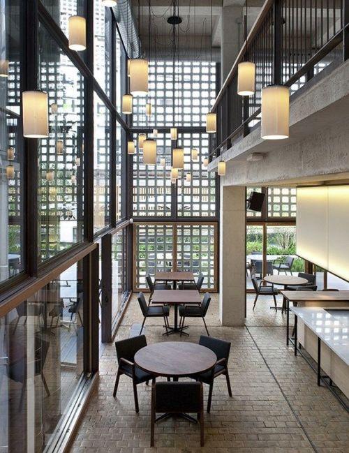Contoh desain interior cafe ruko (DiarioDESIGN - Pinterest)
